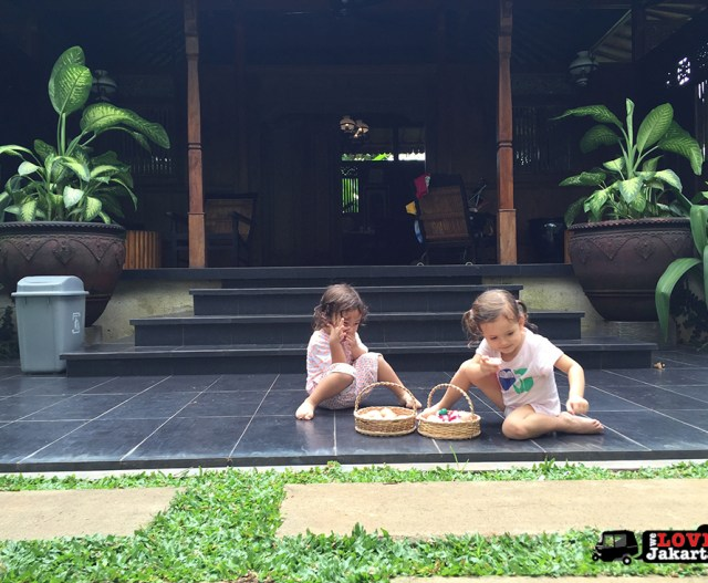 Tasha May_welovejakarta_we love jakarta_Easter Jakarta 2016_Counting Easter eggs