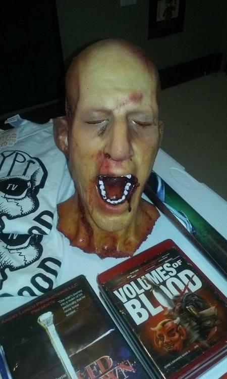 1 legless corpse head 2