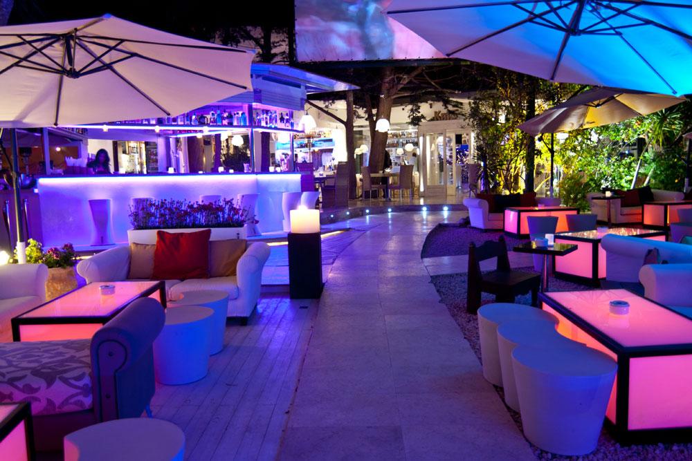 The_Style_Junkies_KM5_Lounge_Restaurant_Ibiza_02