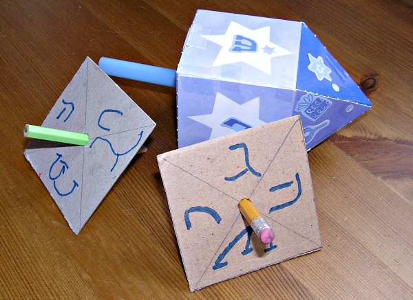 easy handmade dreidel craft