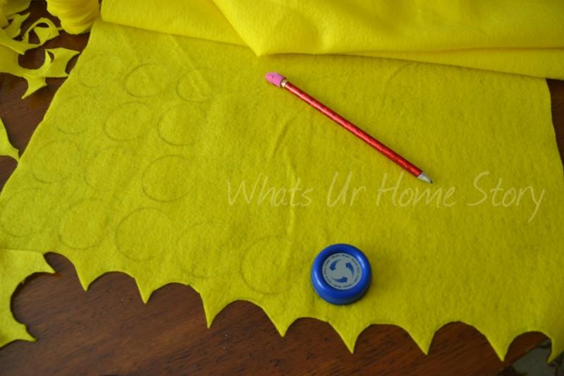 Whats Ur Home Story: How to make a felt circle pillow, DIY Felt circle pillow