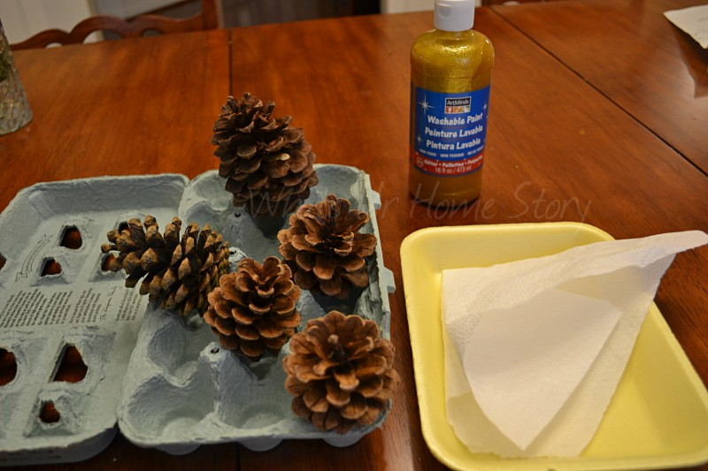 Whats Ur Home Story: Glitter pine cone ornament, DIY pine cone ornament