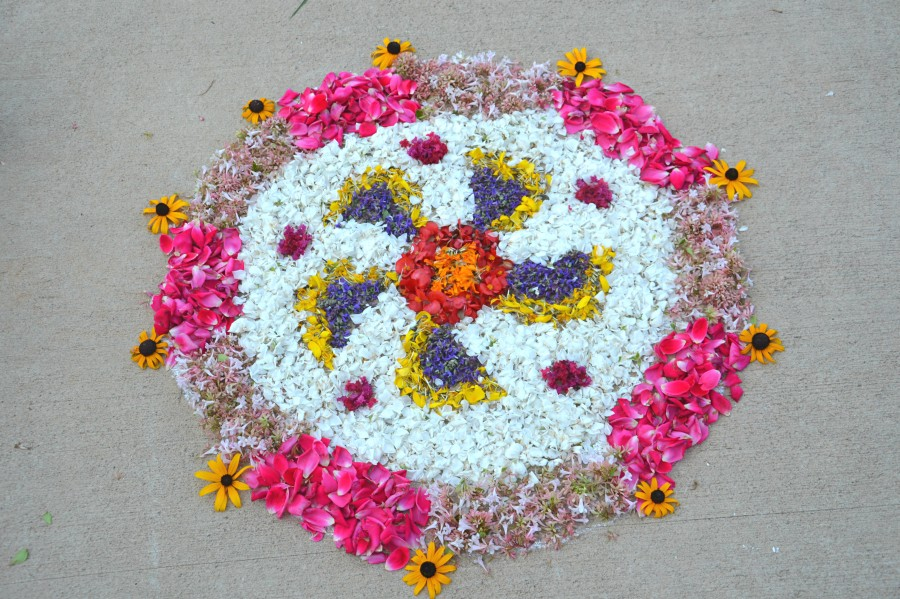 Whats Ur Home Story: Simple Onam Pookalams