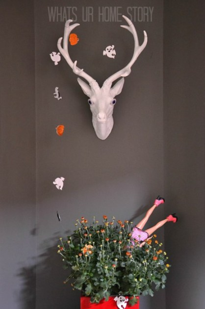 Whats Ur Home Story :Deer Head, Faux Taxidermy, White Faux Taxidermy, simple halloween decor