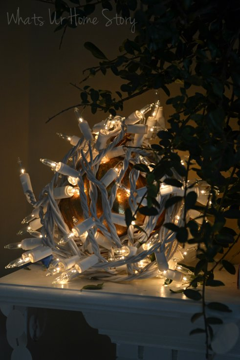 Whats Ur Home Story: winter mantel, decorating with lights
