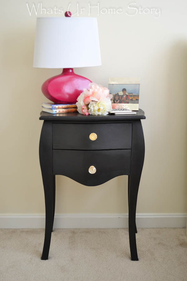 chalky paint side table makeover