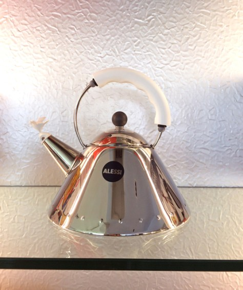 Teapot by Michael Graves, Alessi, Photo Romi Cortier