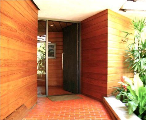 John Lautner's Silvertop Residence, Entrance, Photo Romi Cortier