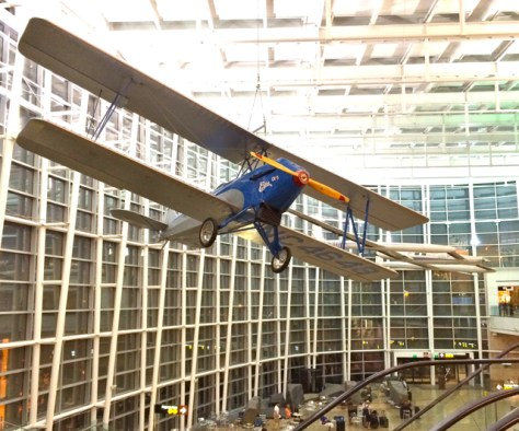Airplane, Seattle Tacoma Airport, Photo Romi Cortier