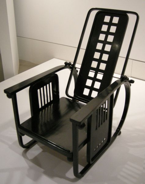 Sitzmaschine Armchair in Black, Joseph Hoffmann, Image Courtesy Wikipedia