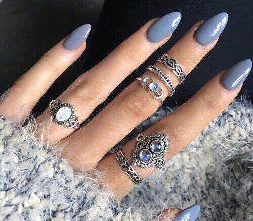7b41d6d60104f5959c4c3e9c44b5c40e--blue-stiletto-nails-blue-acrylic-nails