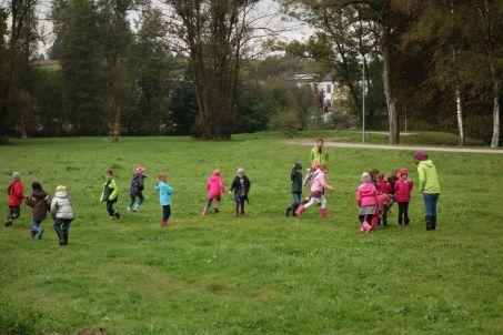 """Zum Abschluss durften die Kinder beim Spiel """"Ackerzauber"""" noch ein wenig toben."""