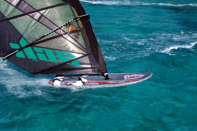 Starboard Isonic 107 2012 action