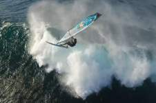 WINDSURFING BY DRONE