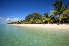 1_Mauritius_Luxury_windsurf_kitesurf_Hotel_LUX_Le_Morne_beach_Views_2_800x533