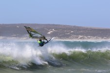LENA ERDIL SPEED SLALOM WAVE WINDSURF TRAINING