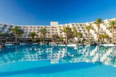 4_Lanzarote_luxury_windsurfing_hotel_melia-salinas-pool-wide_800x381