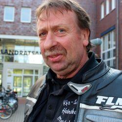 Wolf Heinsberg aus Kaeselin ist heute 80 Kilometer umsonst zur Zulassungsstelle gefahren.