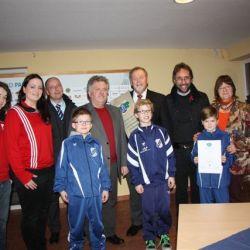 """Für die Kinder- und Jugendarbeit hat auch der SV Waren 09 eine """"Gabe"""" der Morizaner erhalten."""