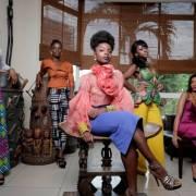 Las cinco protagonistas de la serie An african city, de la directora Nicole Amarteifio.