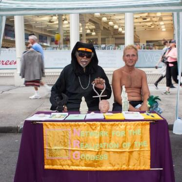 photos-of-the-witches-at-witchs-fest-2015-body-image-1436837973