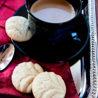 Semolina and Coconut Cookie With Cardamom and Rose Water