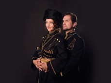Der Zarewitsch: Maya Boog und Jevgenij Taruntsov, Foto: Lukas Beck