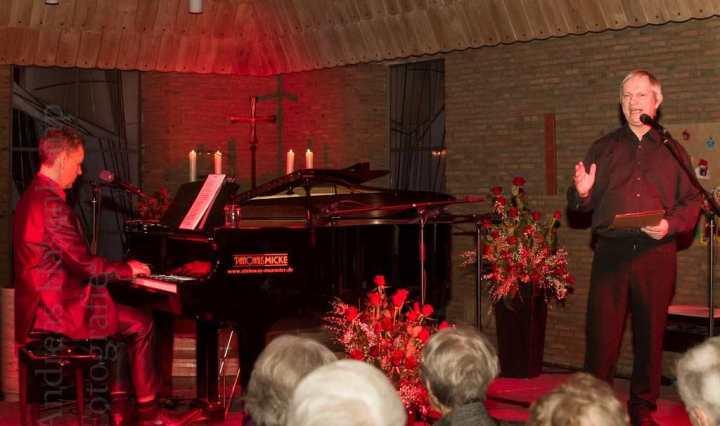 Programm über Udo Jürgens in der evangelischen Kirche in Wolbeck mit Markus von Hagen und ... Röhricht. Foto: A. Hasenkamp, Fotograf in Münster.