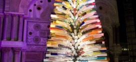 Artistic Christmas tree with glasses