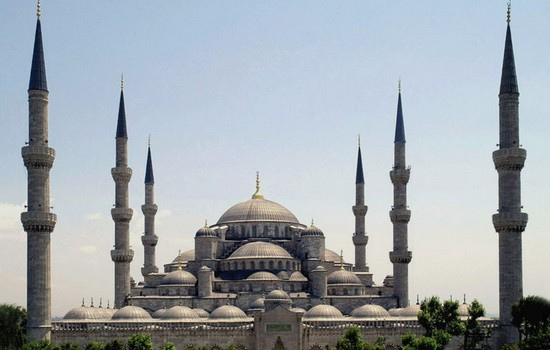 10 most famous cultural monuments around the world top for Famous monuments around the world