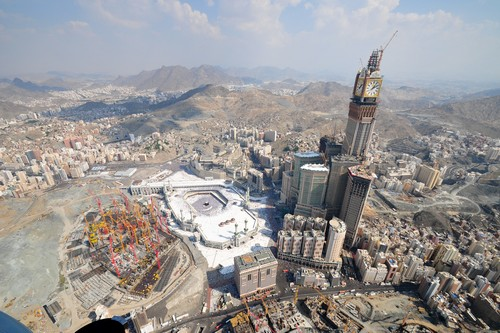 Abraj Al Bait_ Tallest Buildings in Asia