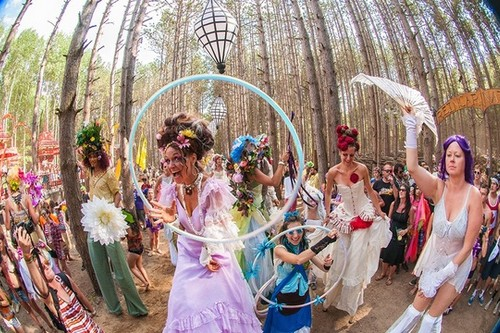 10 Beautiful Festivals that are a Visual Treat