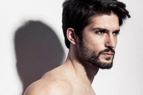 Facial hair and attraction