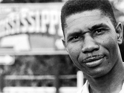 Civil Rights leader Medgar Evers assassinated.