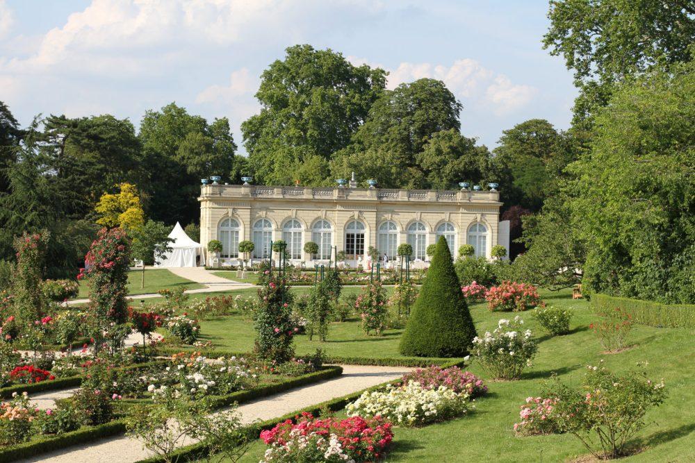Paris day trip ch teau de bagatelle world of wanderlust for Bagatelle jardin paris
