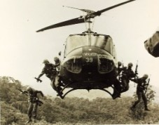 helicopter war vietnam