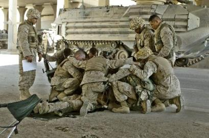 A Veterans day fallujah-prayer-4-8-04