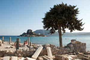 5th century ruins at Agios Stefanos Beach, Kos, Greece - @World Travel Mama