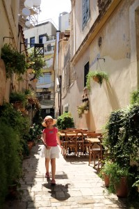 Heraklion - tiny tourist - @World Travel Mama