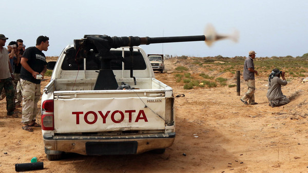 Libyan forces fight off ISIL counter-attack in Sirte
