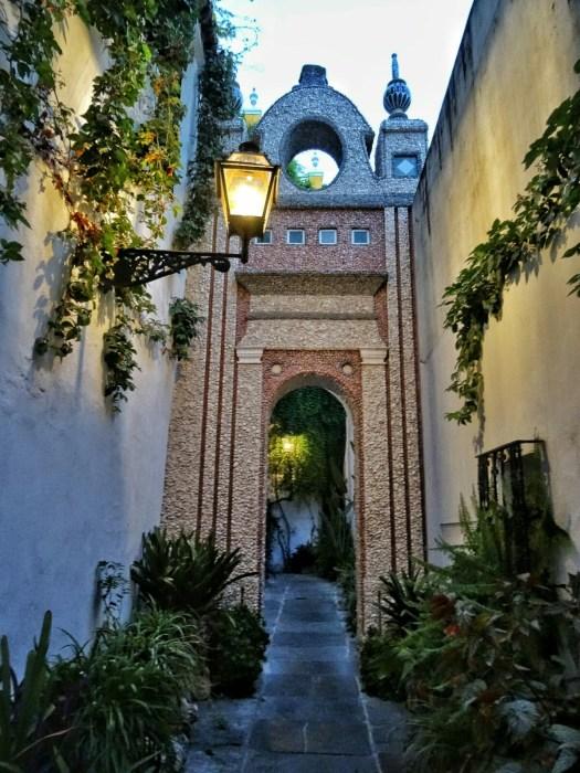 Hotel las casas de la juderia an andalusian escape in for Casas de sofas en sevilla