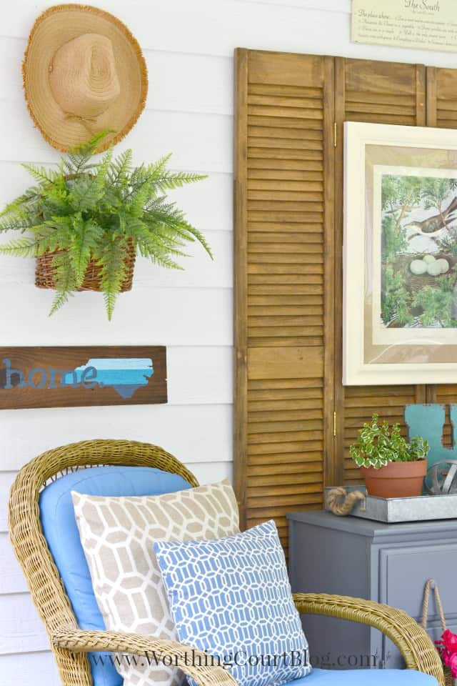 A simple wall collage for outdoors