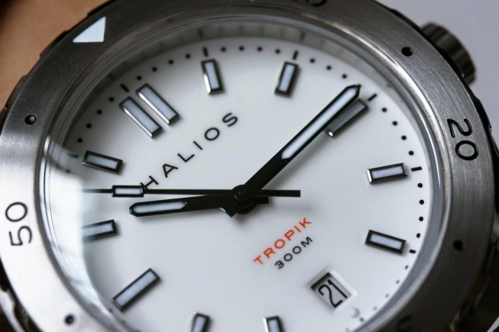 halios white dial 2