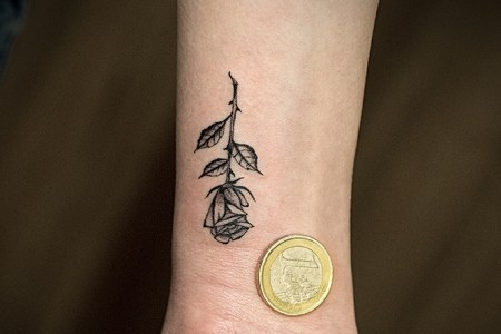 simple rose tattoo design rt142
