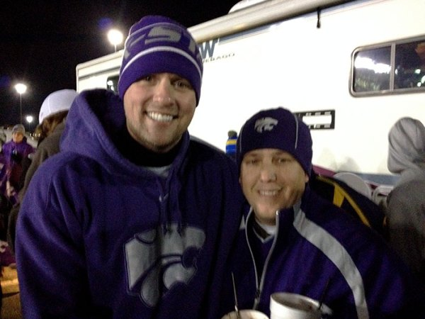 Craig meets fellow K-State fans in the blue lot