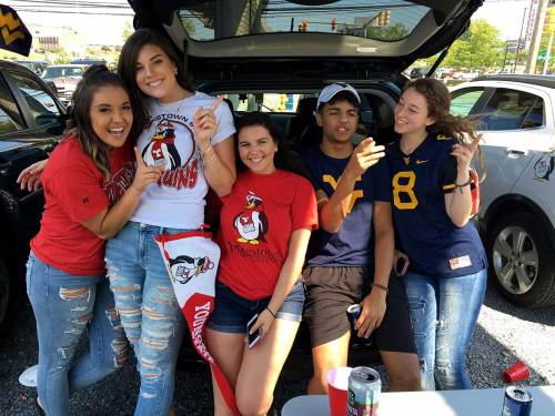 Golly Gee, This Tailgate Ruled