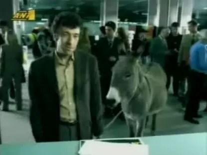Διαφήμιση Τζόκερ, Πετάει ο γάιδαρος;