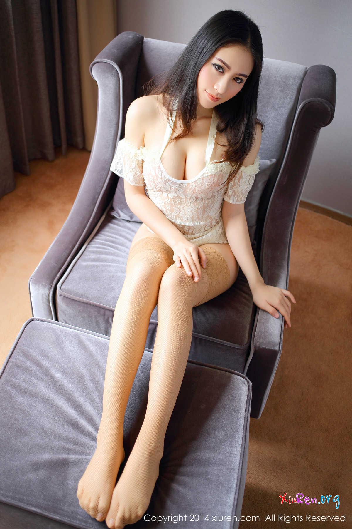 Hot Asian Gals 100