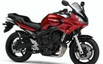 2006_Yamaha_FZ6_Fazer_Red
