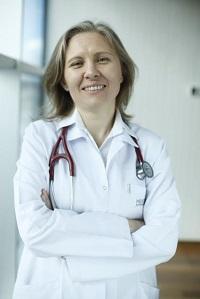 İç Hastalıkları Uzman Doktor Emel Bayrak